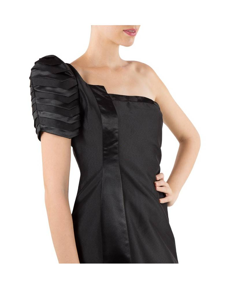 7465b940e4e2 ... Black silk structured gown with one shoulder pleated sleeve