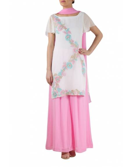 7c5b64725fe White georgette kurta with floral embroidery